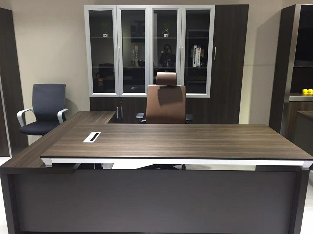 Executive Office Desk (F7)